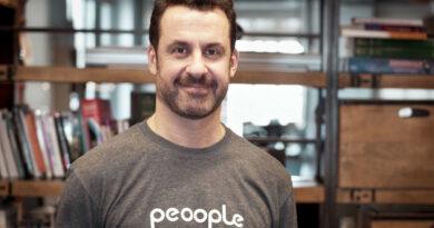 Peoople compra 21 Buttons para avanzar en social commerce