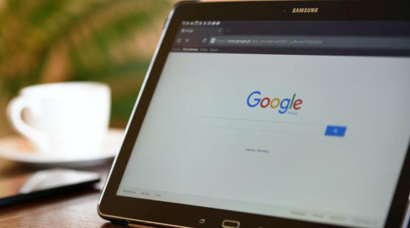 Los anunciantes, contrarios al recargo de 2% impuesto por Google