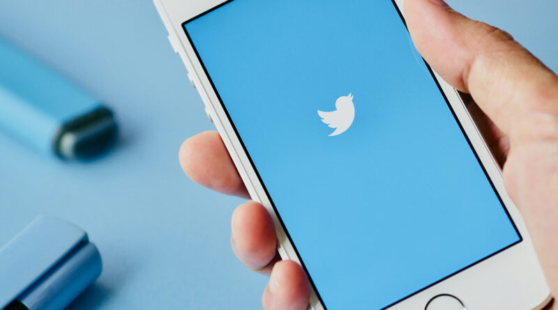 La Unión Europea multa a Twitter por no haber informado a tiempo de una brecha